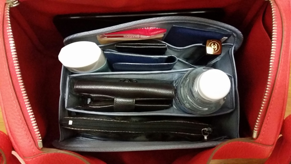 Hermes Lindy 30 fitted with Purse Organizer Insert by CloverSac